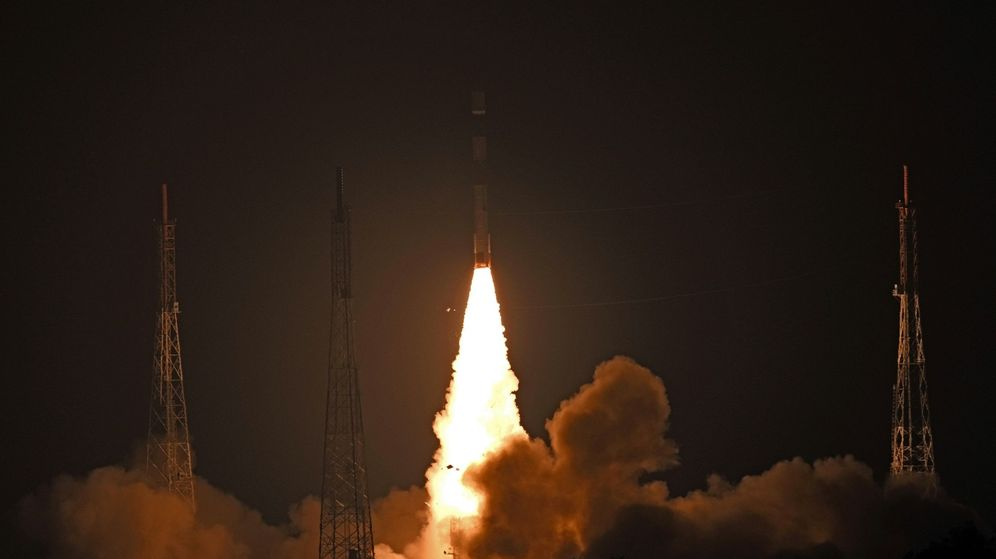Foto: Lanzamiento de un cohete de la Organización de Investigación Espacial de la India. (EFE)
