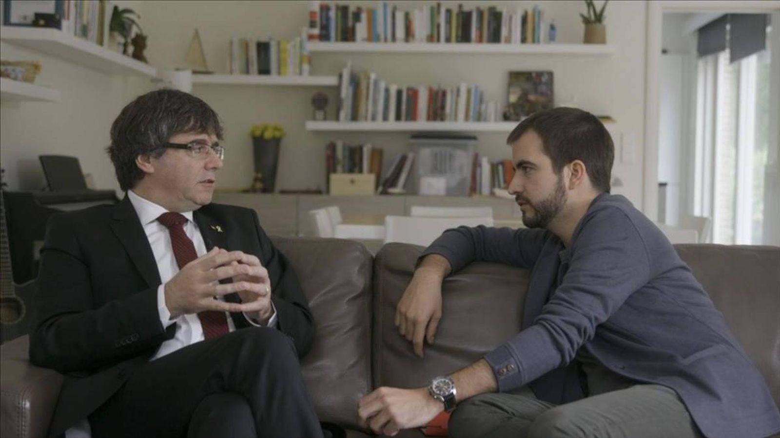 Foto: Puigdemont y Ustrell, en TV3. (CCMA).