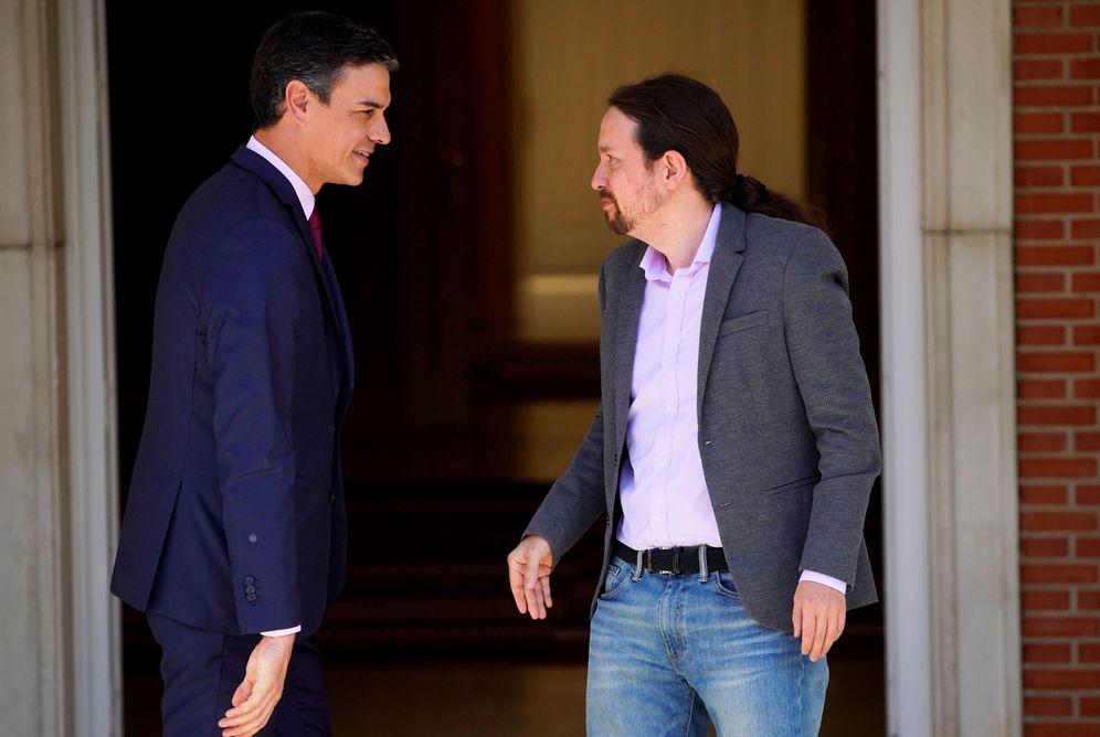 Foto: Pedro Sánchez y Pablo Iglesias, antes de su última reunión en la Moncloa, el pasado 7 de mayo. (Reuters)
