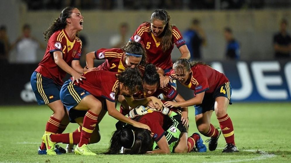 Foto: La alegría española tras los penaltis ante Francia (UEFA.com).
