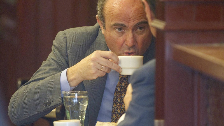 Vicepresidente del BCE, ¡y sin renunciar a su café con leche! (Reuters/Andrea Comas)
