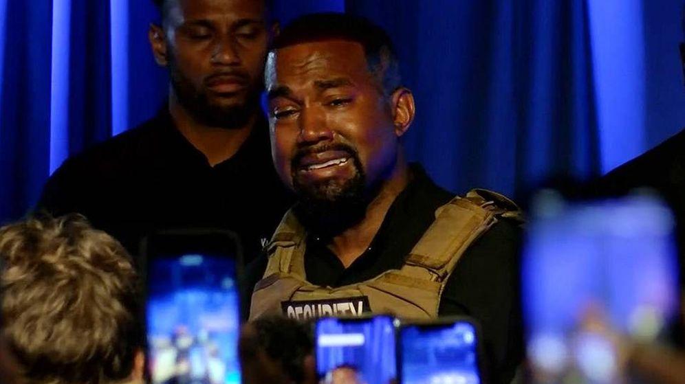 Foto:  Kanye West llora durante su polémico discurso. (Canal Live 5 News)