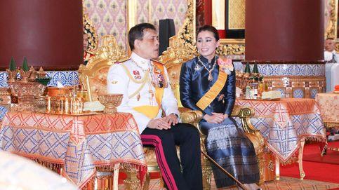 La reina de Tailandia, doblemente humillada por su marido (y unas fotos vergonzantes)