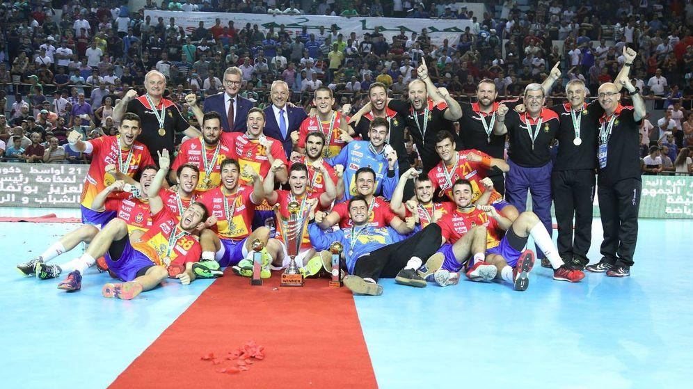 Foto: Los juveniles de España, campeones del mundo de balonmano. (Foto: @IHF_Info)