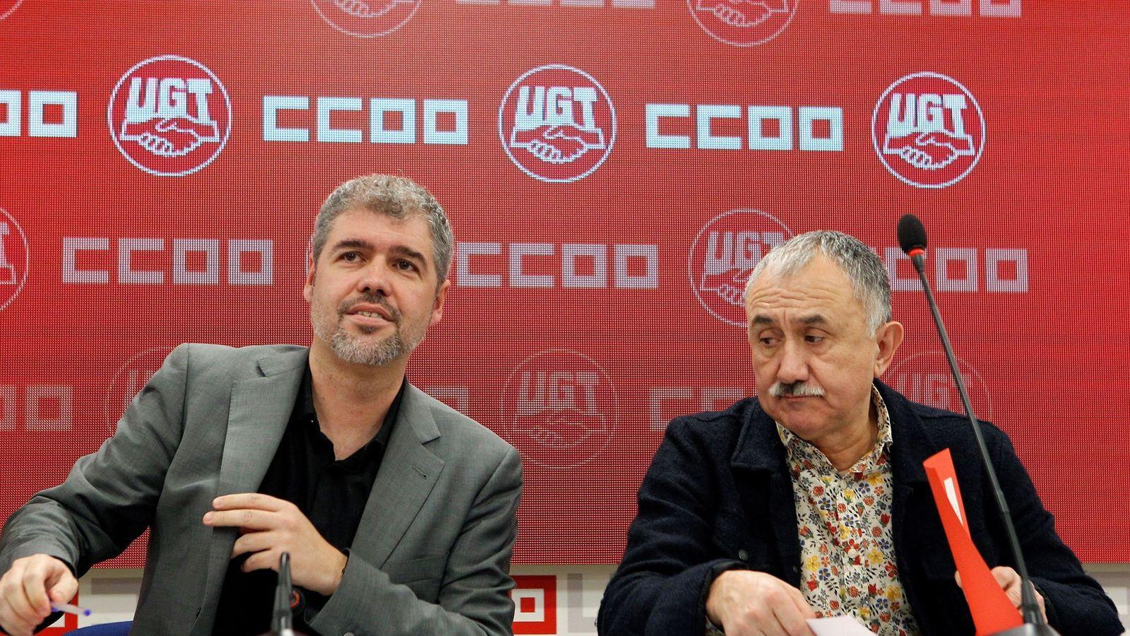Foto:  Los secretarios generales de CCOO y UGT, Unai Sordo (i) y Pepe Álvarez (d), respectivamente