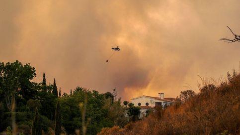 Muere un bombero en el incendio de Sierra Bermeja, que ya afecta a más de 3.600 hectáreas