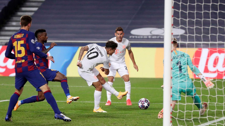 Philippe Coutinho, cedido por el Barça, anotó uno de los múltiples goles que el Bayern marcó aquella noche. (Reuters)