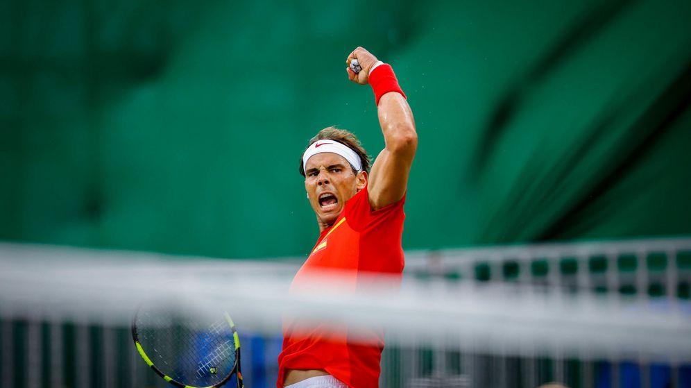 Foto: Nadal celebrando un tanto ante Dabonis. (Fernando Bizerra/EFE)