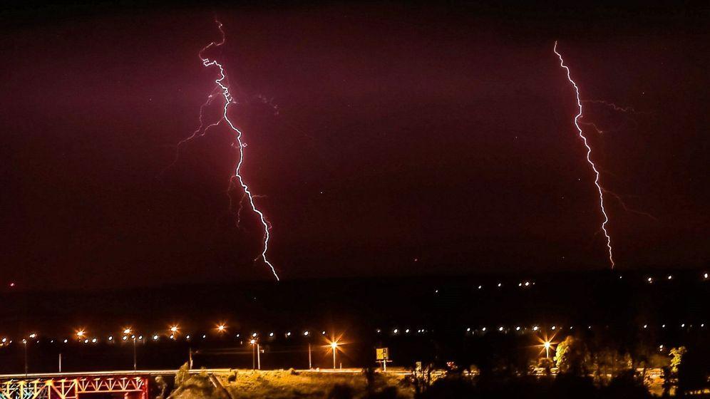 Foto: Unos relámpagos durante una tormenta. Foto: EFE Piotr Augustyn