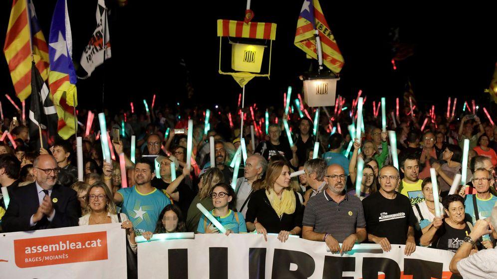 Foto: Marcha en conmemoración del segundo aniversario del 1-O. (EFE)