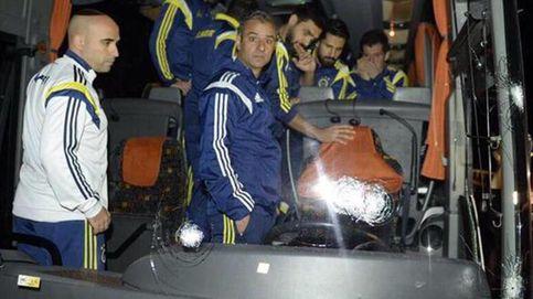 Tirotean el autobús del Fenerbahçe y su conductor es herido de gravedad
