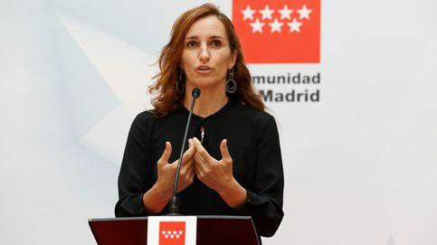 Las malas críticas de Mónica García a Smith y Hayek
