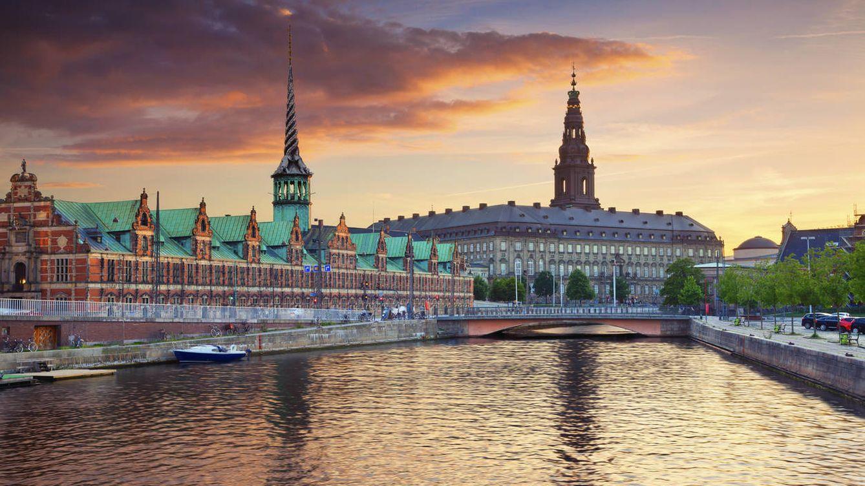 Por qué Dinamarca vive una fracción de segundo por detrás del resto