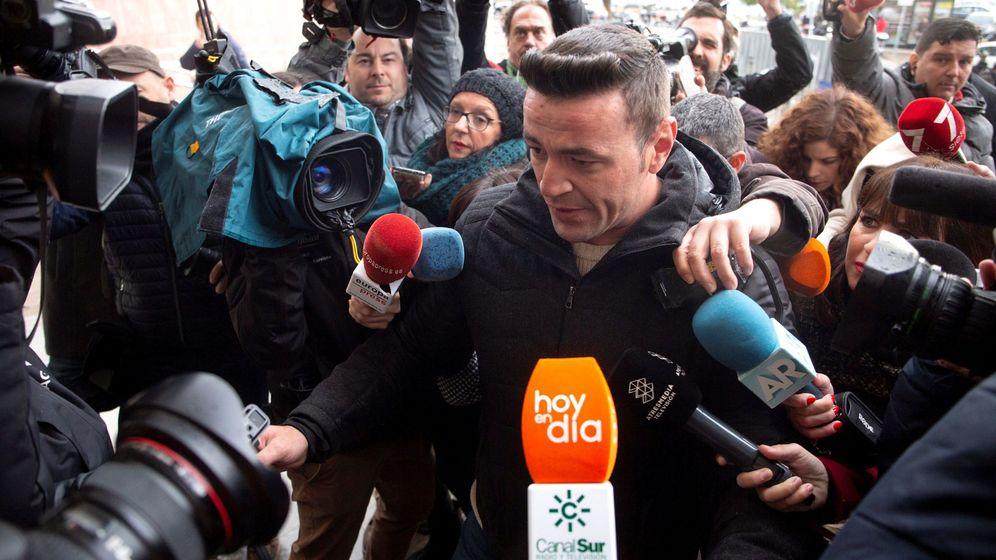 Foto: El dueño de la finca de Totalán, David Serrano, a su llegada al juicio por el fallecimiento del pequeño Julen. Foto: Efe