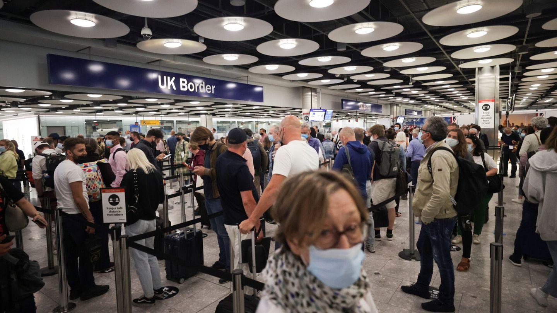 Pasajeros en el aeropuerto de Heathrow (Reuters)