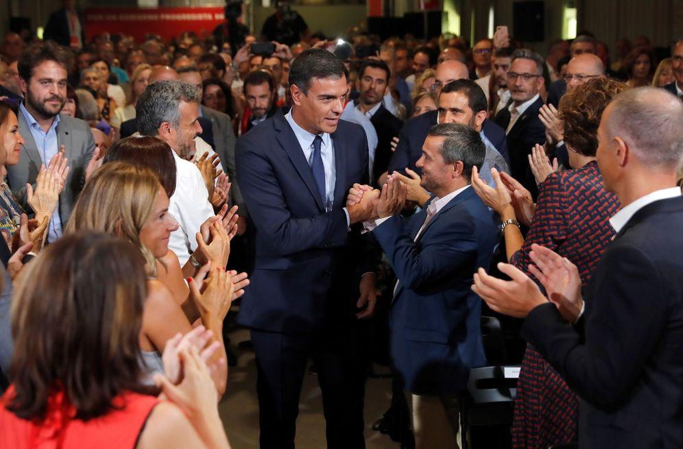 Foto: Pedro Sánchez, minutos antes de la presentación de la última oferta a Unidas Podemos, este 3 de septiembre, en el espacio MEEU de Chamartín. (EFE)