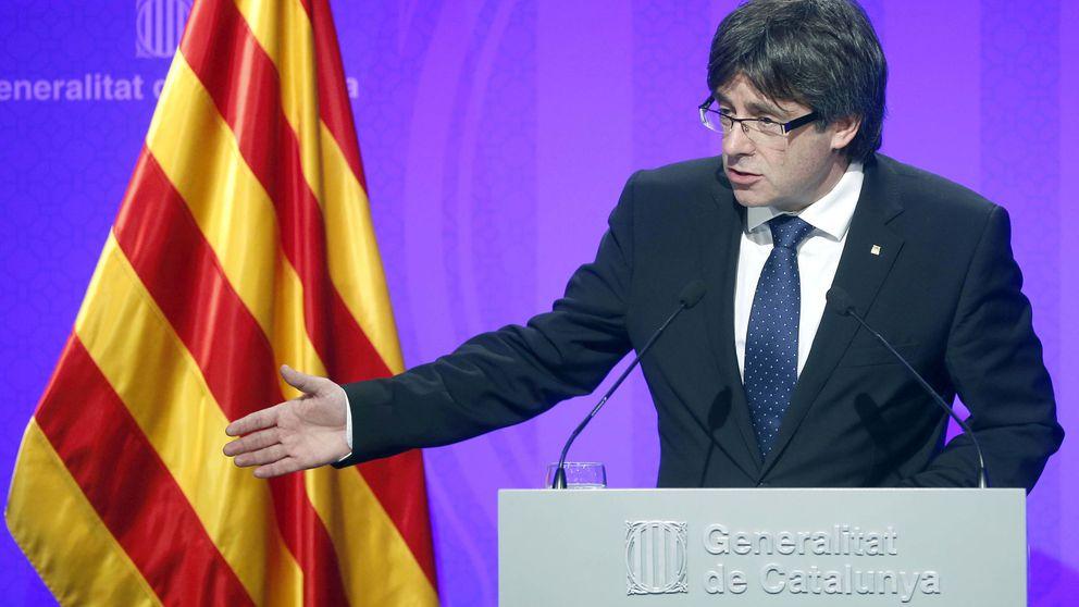 Puigdemont sale ileso de un accidente: La rueda de un camión nos ha impactado