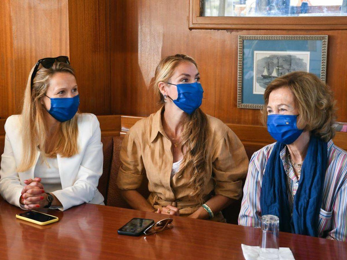 Foto: La reina Sofía y Alicia Alcocer Koplowitz. (Fundación FAADA)