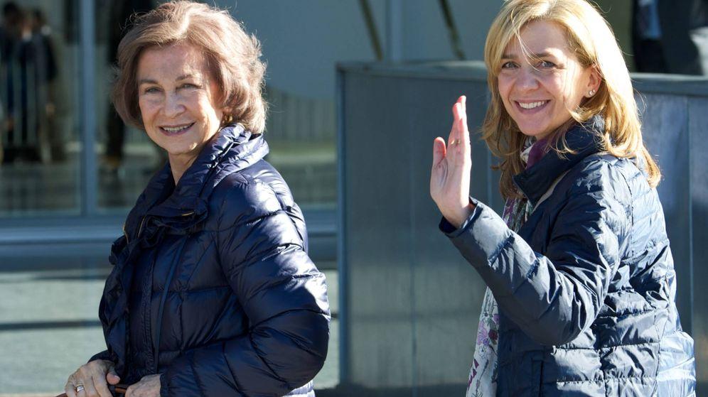 Foto: La reina Sofía y la infanta Cristina, en Pozuelo. (Getty)