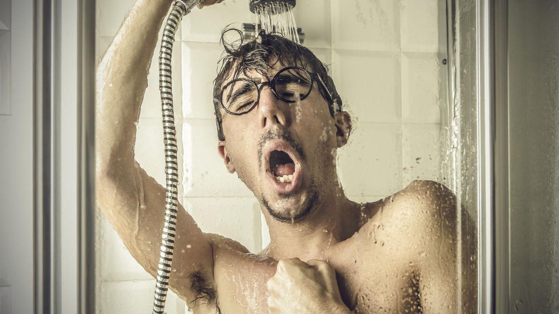 Foto: Lo estabas haciendo mal: quítate las gafas y regula el termostato. (iStock)