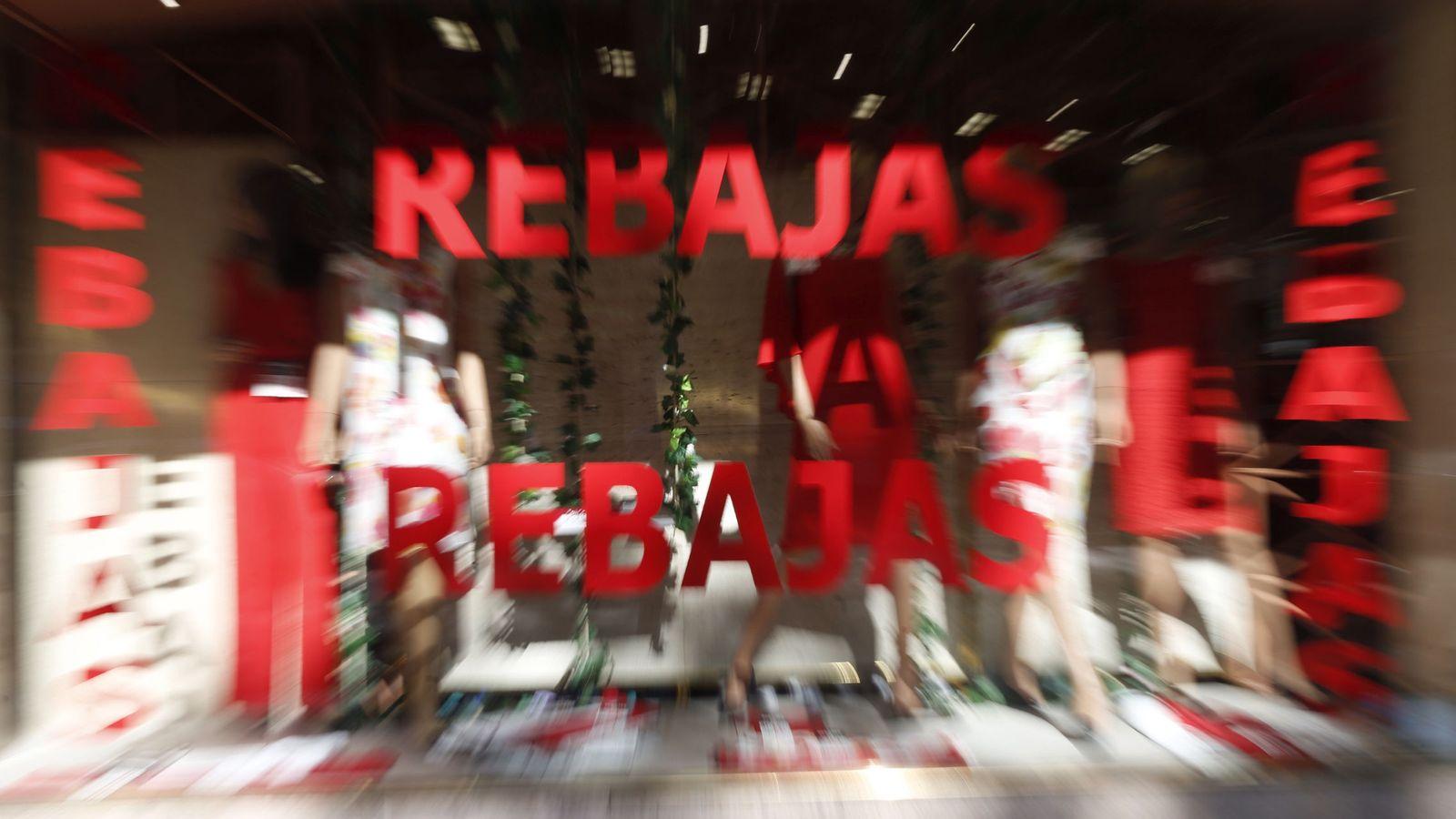 8011b81f Rebajas: Mid season sales, Black Friday... La moda sucumbe a las rebajas  perpetuas