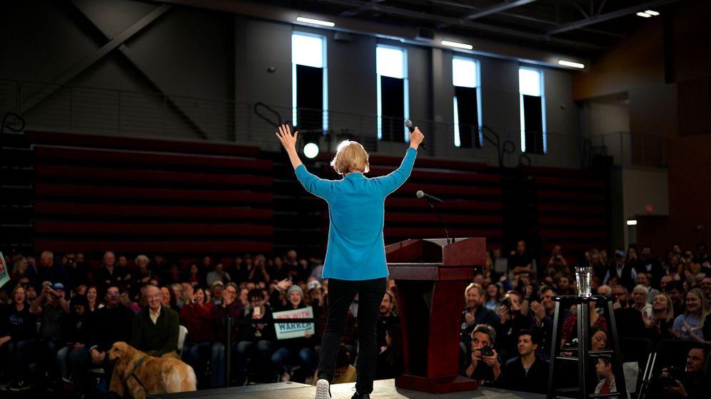 Foto: Elizabeth Warren en un mitin en Iowa. (Reuters)
