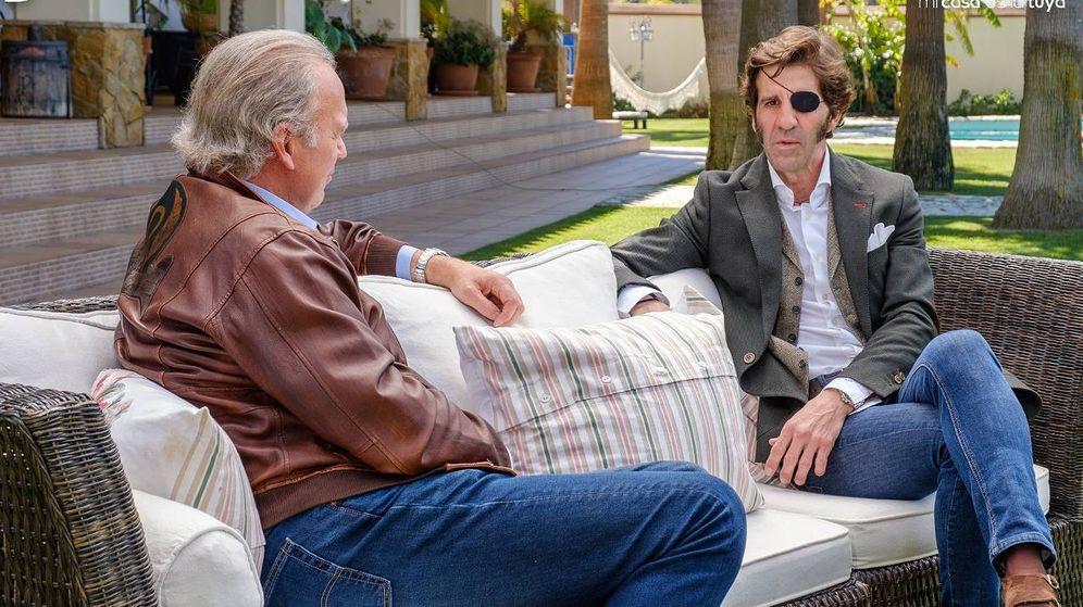 Foto: Bertín Osborne y Juan José Padilla, en 'Mi casa es la tuya'. (Telecinco)