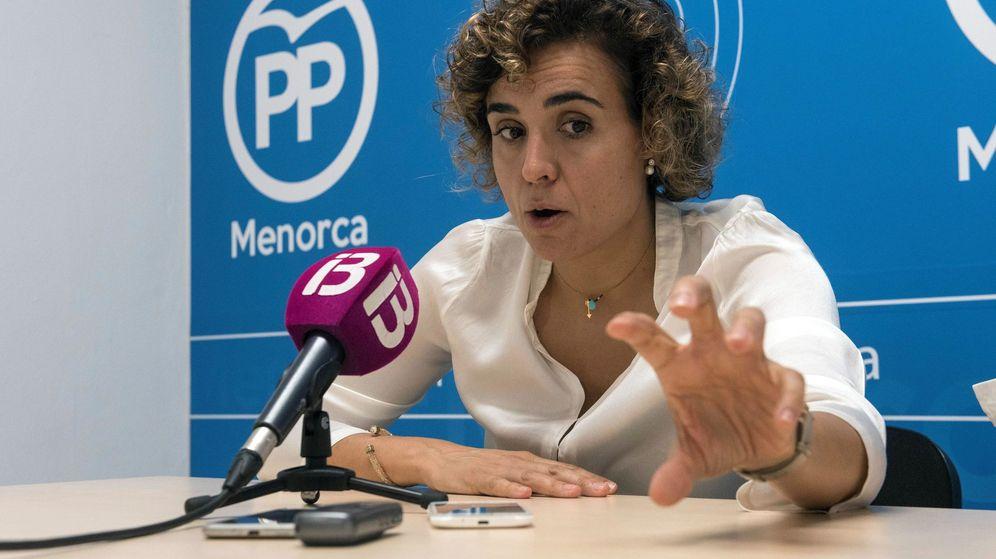 Foto: La exministra de Sanidad y exportavoz de la candidatura de María Dolores de Cospedal, Dolors Montserrat, nueva portavoz del PP en el Congreso. (EFE)