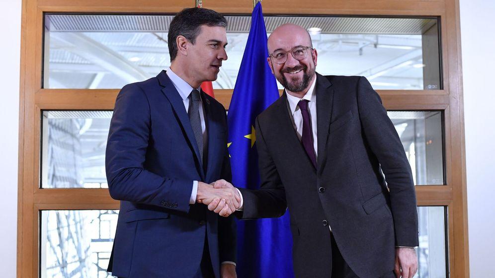 Foto: El presidente del Gobierno, Pedro Sánchez, y el presidente del Consejo Europeo, Charles Michel. (EFE)