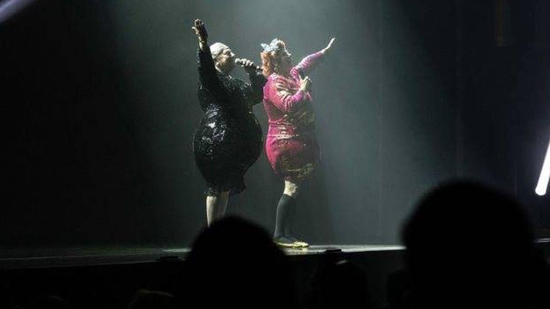 Los Morancos, en su último espectáculo, 'El desfase'. (Cortesía Daniel Mejías)