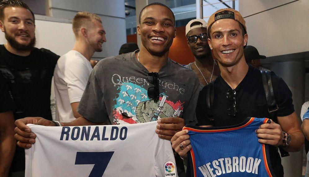 Foto: Russell Westbrook y Cristiano Ronaldo en el Santiago Bernabéu (Foto: NBA)