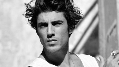 Axel Pons, hijo de Sito Pons, aparca las motos para estudiar moda