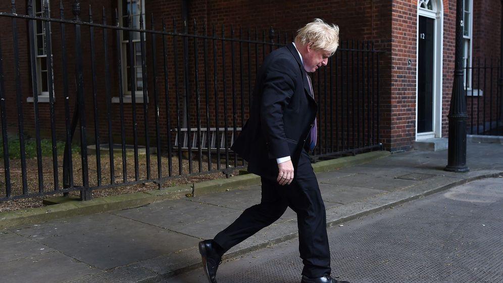 Foto: Boris Johnson abandona Downing Street tras una reunión, el pasado 3 de julio. (EFE)