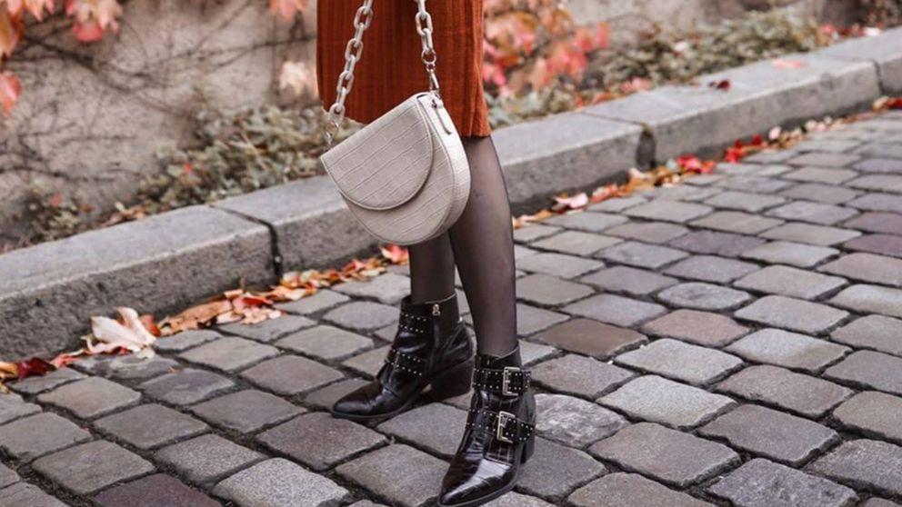 Stradivarius acierta con estos botines negros, ideales para todos nuestros looks