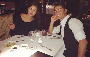 Cristiano Ronaldo celebra con Irina Shayk su 'hat-trick'