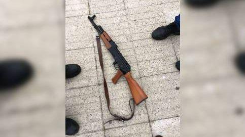 Detenido en A Coruña por deambular de madrugada con un fusil cargado y una pistola