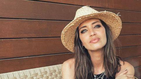 Obregón con su padre, Sanz con su novia, Sara sola: la bienvenida al verano de nuestros famosos