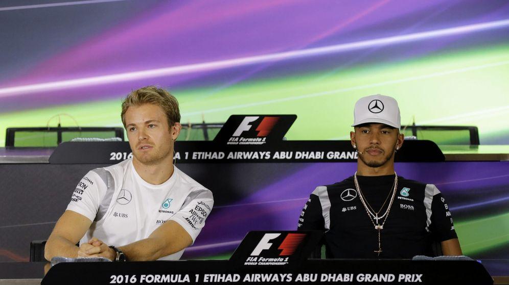 Foto: Hamilton y Rosberg en la rueda de prensa de este jueves en Abu Dabi.