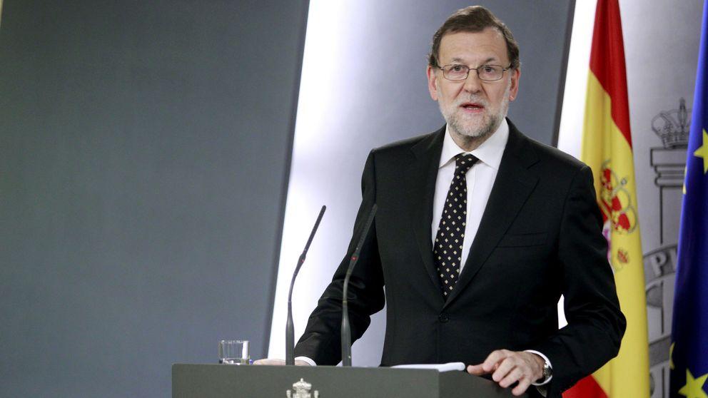 Rajoy asfixia a Puigdemont con recurso al TC aunque esté en funciones