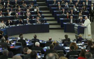 El Papa comparece en Estrasburgo ante un entregado Pablo Iglesias