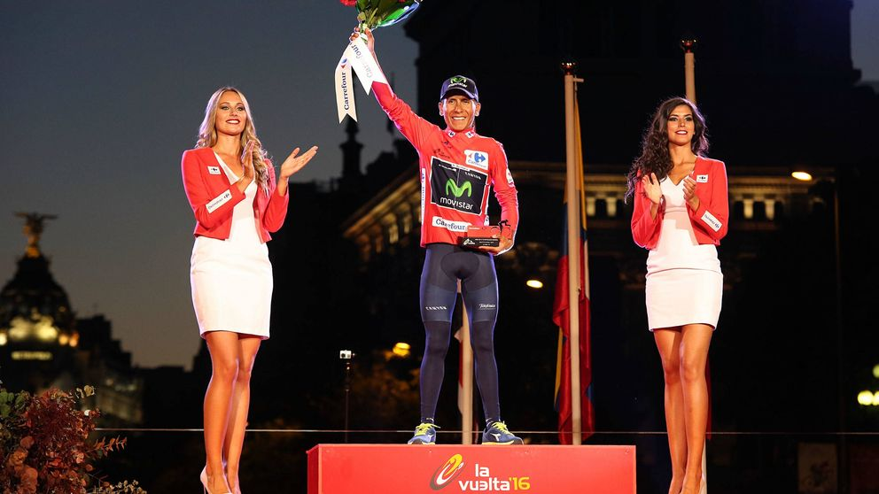 No existe voluntad en la Vuelta de quitar las azafatas, se hace con elegancia