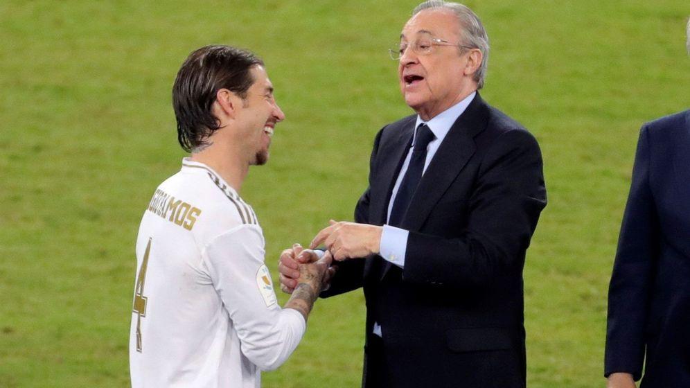 Foto: Sergio Ramos y Florentino Pérez en la pasada Supercopa de España. (EFE)