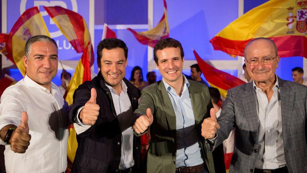 Foto: Elías Bendodo, Francisco de la Torre, Pablo Casado y Francisco de la Torre (EFE).