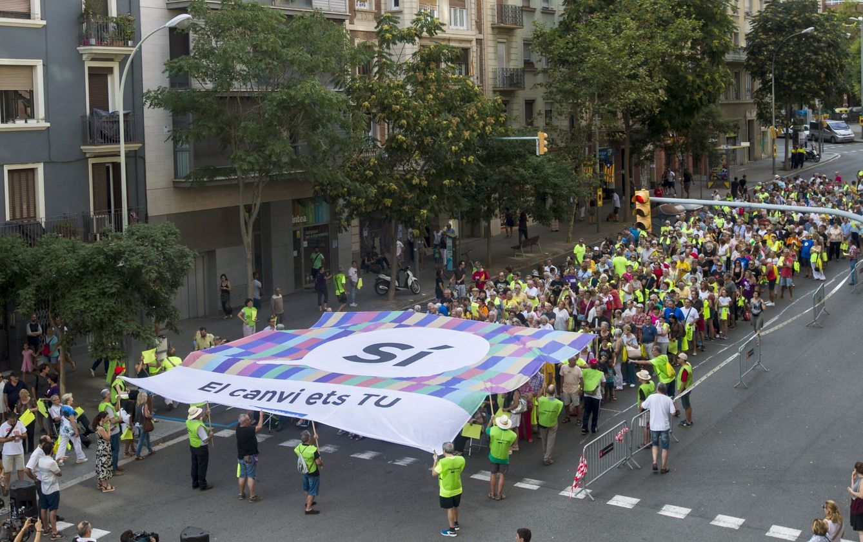 Ensayo de la manifestación de la Diada del próximo 11 de septiembre. (EFE)