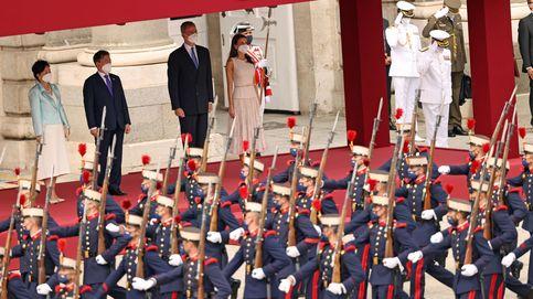 El recibimiento de los Reyes al presidente de Corea y su esposa: todas las imágenes