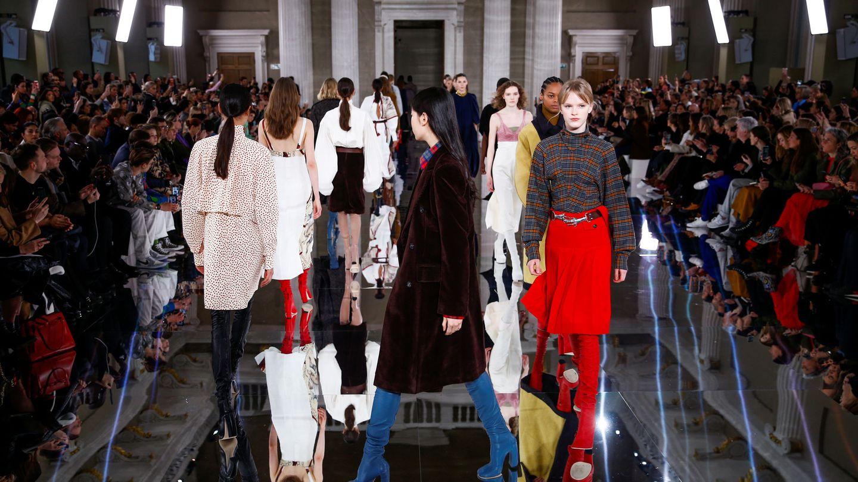 Desfile de Victoria Beckham en la London Fashion Week. (Reuters)