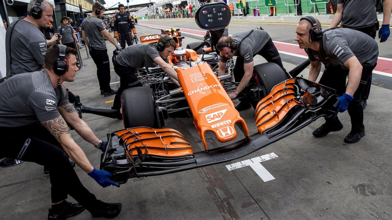 El equipo Honda, con Vandoorne. (EFE)