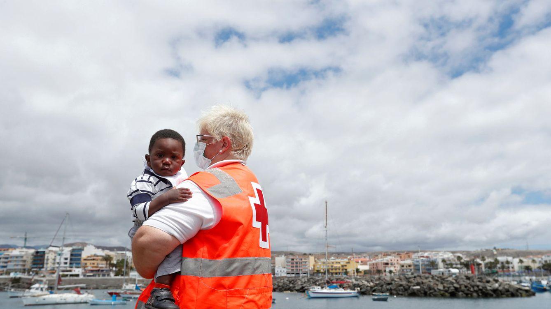 Sareb ultima la venta al Gobierno de naves y edificios en Canarias para acoger migrantes