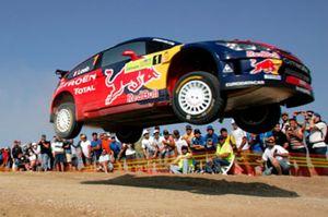 Loeb lidera el rally de Finlandia