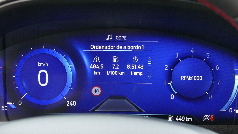 El cuadro de instrumentos digital aporta mucha información al conductor.